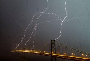 lightning_bay_bridge